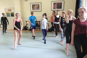 Dancers don't stop!