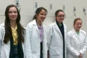 Young Scientists Aim for 'Top of the Bench'