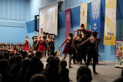 School Community Gathers for Advent Celebration